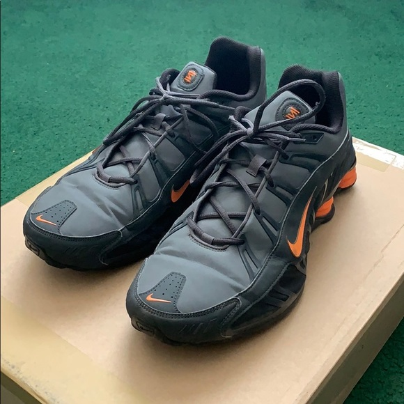 best service e93a2 073a7 Men s Nike Shox - Grey and Orange - Size 14. M 5cc9bfddd1aa250702e64df4